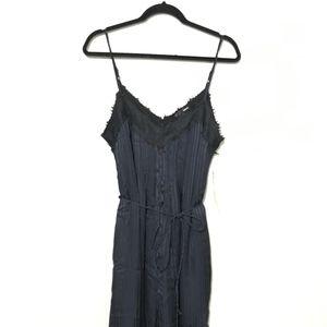 Aqua Women's Size Medium NWT Black Lace Trim V-Nec
